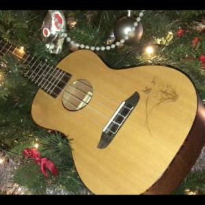 Uke in Christmas Tree - Ukelele4U